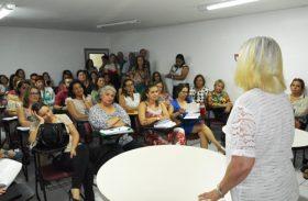Secretária de Saúde discute metas e ações para 2017 com servidores