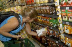 Inflação para famílias com renda até 2,5 salários mínimos é de 7,05% em 12 meses