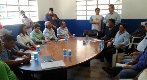 Seagri discute produção de leite com Cooperativa e prefeitos eleitos