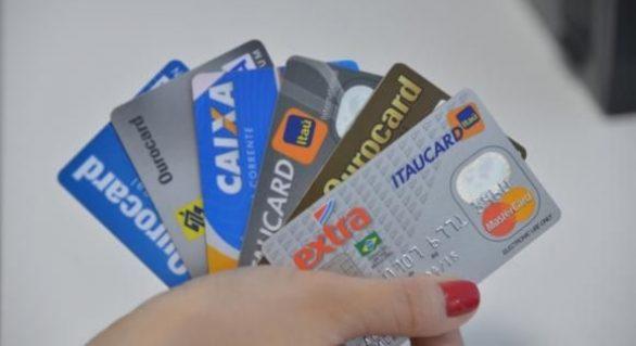 Nova regra para cartão de crédito deve reduzir inadimplência, dizem empresas