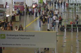 Tarifa de voos domésticos sobe para R$ 29,90 e de internacionais para R$ 113,04