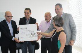 """Usina Coruripe recebe prêmio """"Parceiros da Aprendizagem"""""""