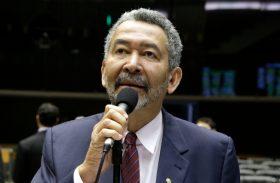 Paulão, do PT, avisa que vai disputar reeleição de federal em 2018
