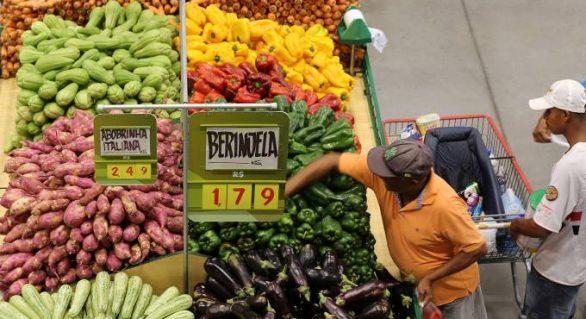 Inflação em janeiro tem valor mais baixo desde 1994, diz IBGE