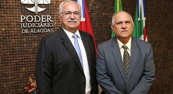 Em reunião com Praxedes, prefeito de Arapiraca reafirma parceria com o TJ