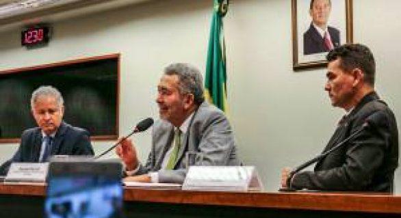 Paulão é único deputado de AL a presidir uma comissão na Câmara Federal