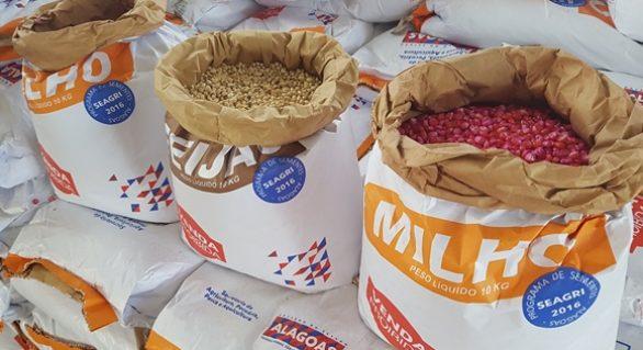 Governo entrega 120 mil quilos de grãos a agricultores da Região Norte, no domingo (23)