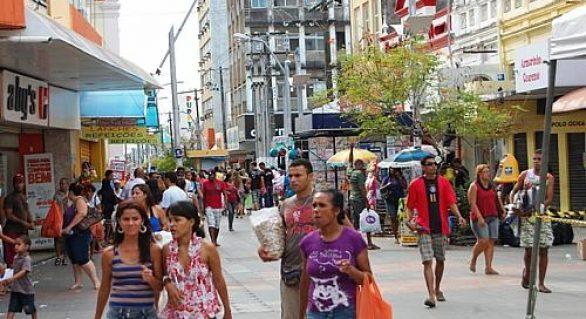 Em Maceió, shoppings e supermercados abrem durante a Semana Santa