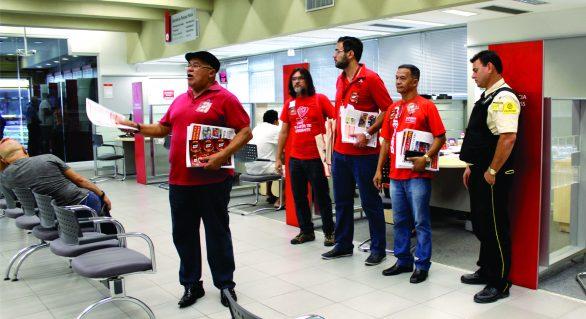 Bancários de Alagoas mobilizam população para Greve Geral no dia 28