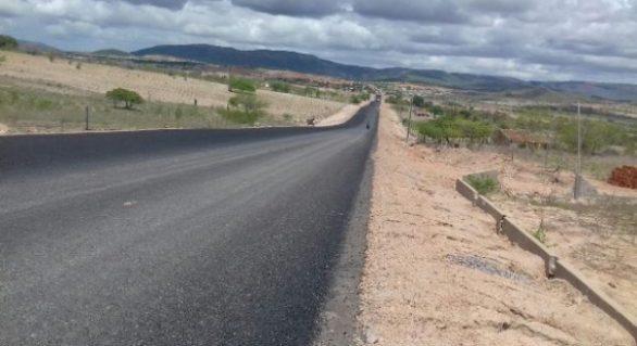 Obra de implantação da rodovia entre Água Branca a Mata Grande avança