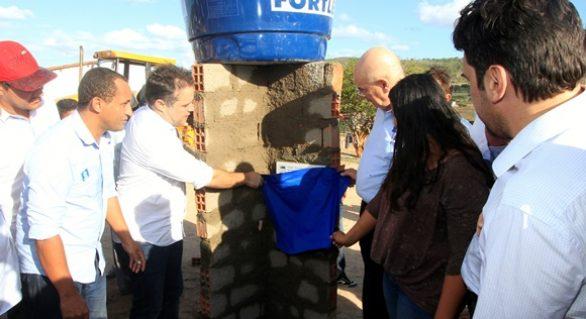 Governador e ministro entregam mais de 8 mil cisternas em Santana do Ipanema