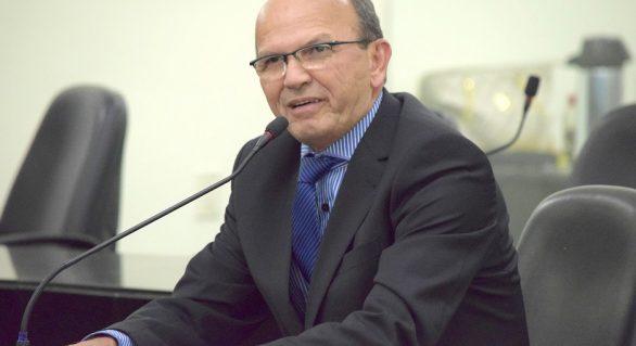 Cicero Cavalcante assume mandato na ALE pela quarta vez, em dois anos
