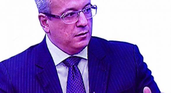 """Adriano Soares sobre Renan: """"Alguém poderia explicar isso?"""""""