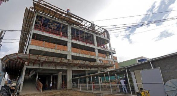 Em viagem a Brasília, Renan Filho garante R$ 16 milhões para o Hospital da Mulher