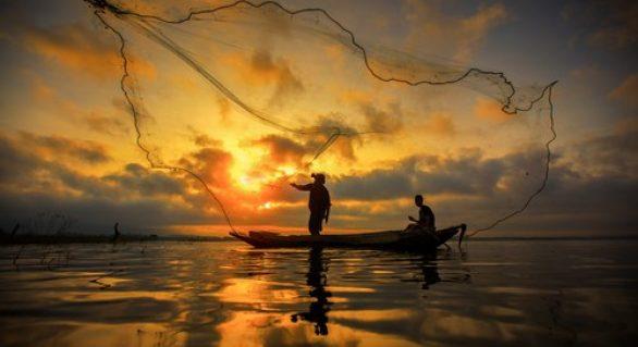 Projeto de incentivo à atividade pesqueira é tema de reunião na Emater