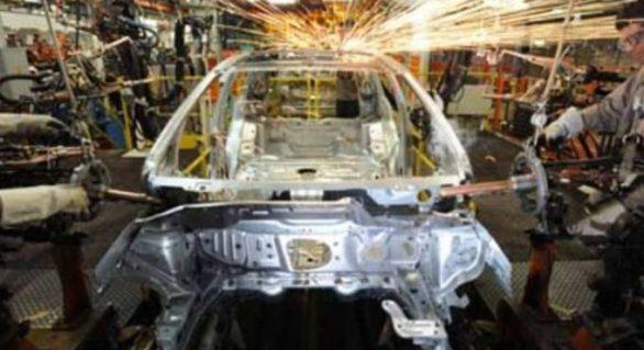 Indústria cresce em março pela 1ª vez em pouco mais de 2 anos