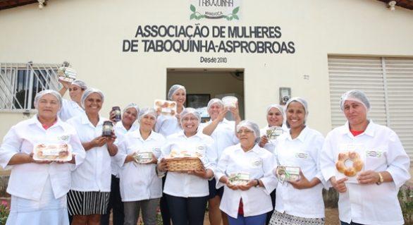 Mulheres rurais movimentam agronegócio com derivados da mandioca