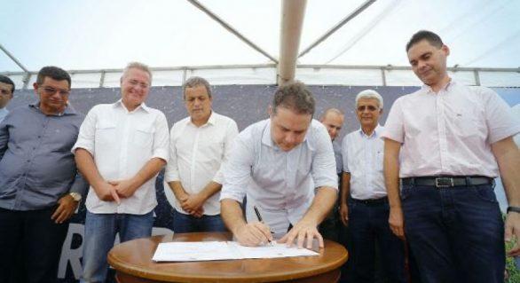 Governador assina ordem de serviço para recuperar AL-105 entre Teotônio e Coruripe