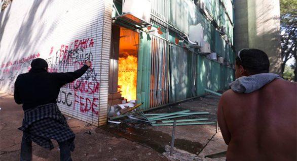 Governo faz levantamento de prejuízos na Esplanada após protestos em Brasília