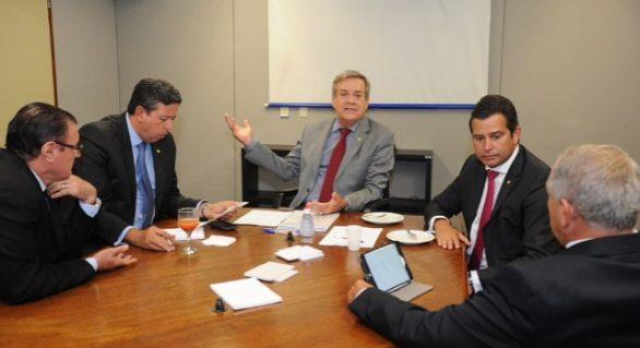Quatro deputados federais e um senador de Alagoas pedem saída de Temer