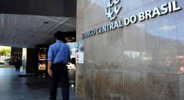 Para conter dólar, Banco Central intervém pela 3ª vez no dia
