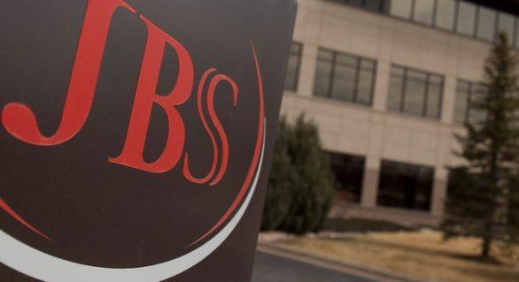 Ação da JBS cai quase 20%; Bovespa volta a recuar nesta segunda