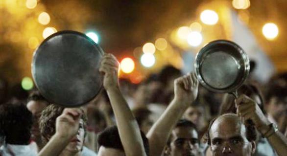 Internautas relatam panelaços e protestos contra Temer pelo Brasil