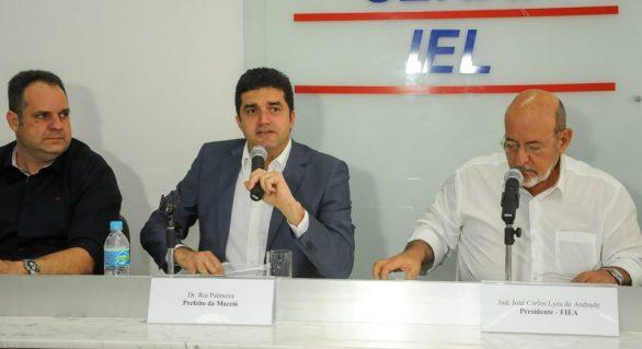 Prefeito de Maceió participa de reunião com empresários na Fiea