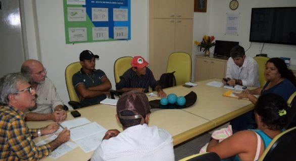 Iteral e Casal discutem distribuição de água para assentados