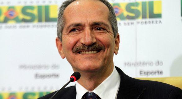 Em eventual saída de Temer, alagoano deve ser candidato a vice-presidente