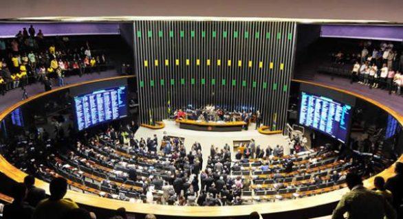 CCJ do Senado aprova reforma trabalhista; texto vai ao plenário