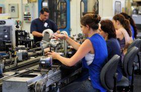 Pesquisa constata queda na confiança da indústria, diz FGV