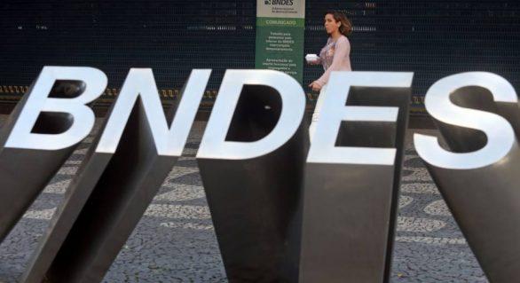 Após declarações de presidente do BNDES , diretores pedem demissão