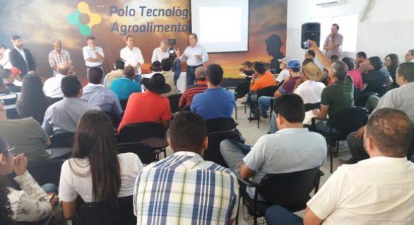 Seminário discute sistema de cultivo da palma forrageira com pequenos produtores