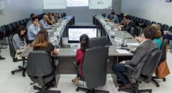 Governo discute apoio às micro e pequenas empresas de Alagoas