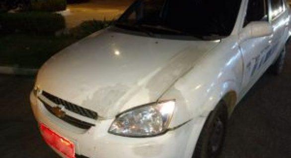 Fiscalização verifica condições de veículos utilizados como táxis
