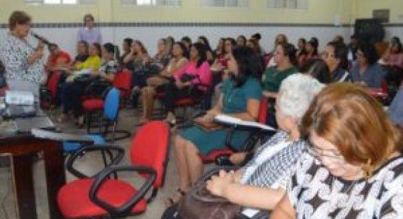 Educação apresenta situação financeira a diretores de escolas em Maceió