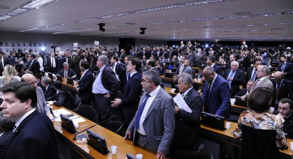 Governo liberou R$ 134 milhões em emendas a deputados pró-Temer, diz ONG
