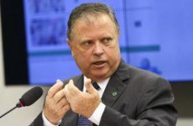 Ministro da Agricultura vai a Washington tentar retomar exportação de carne