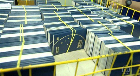 Casa da Moeda deve retomar nesta segunda confecção de passaportes