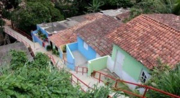 Vida Nova nas Grotas alcança marca de quase 10 km de escadarias construídas em Maceió