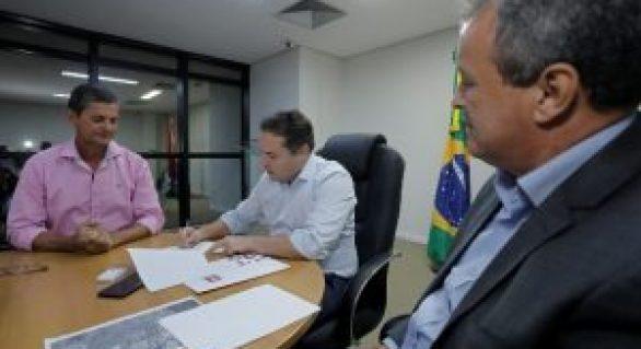 Governador assina ordem de serviço para obras de viação em Satuba e Atalaia