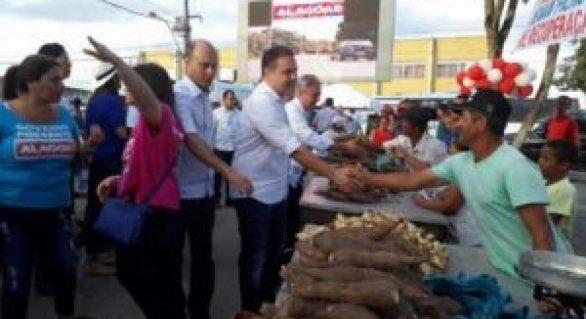 Feira Camponesa incentiva comercialização de produtos orgânicos em Cajueiro