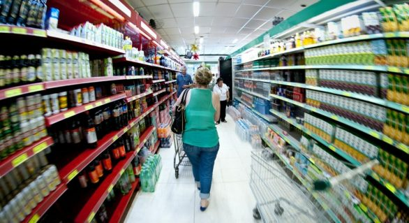 PIB sobe 0,2% no 2º trimestre, puxado pelo consumo das famílias