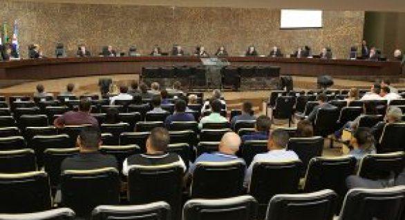 Pedido de vista adia julgamento de prisão de prefeito de Maribondo