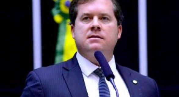 """Marx Beltrão """"fala grosso"""" e promete liberar dinheiro em Brasília"""