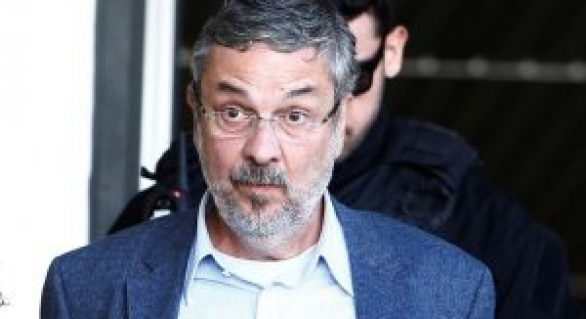 Em carta, Palocci pede desfiliação do PT: Somos um partido ou uma seita?