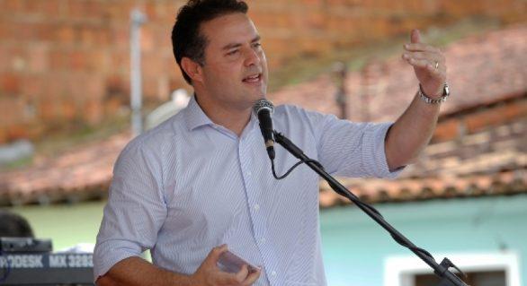 Políticos participam da Expo Bacia Leiteira, em Batalha, neste sábado