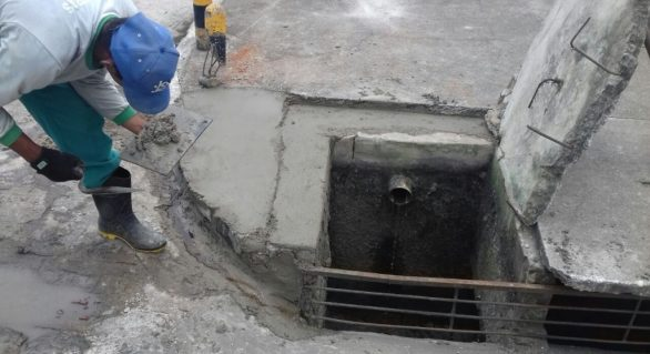 Prefeitura realiza obras de calçamento e desobstrução de esgoto em residenciais de Arapiraca