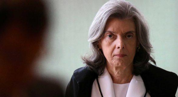 Cármen Lúcia se reúne com Eunício Oliveira para discutir caso Aécio